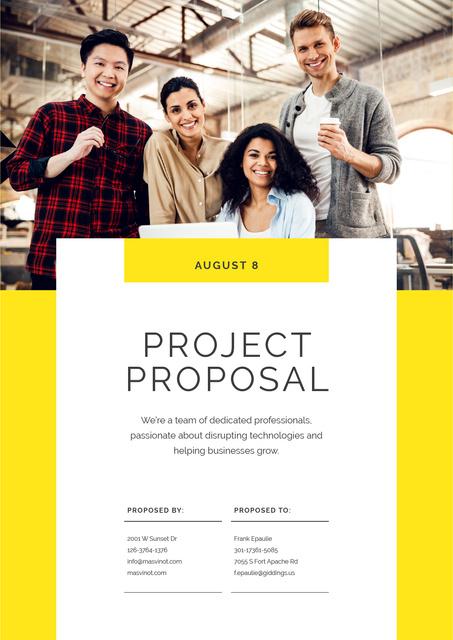 Plantilla de diseño de Successful Team working on Project Proposal
