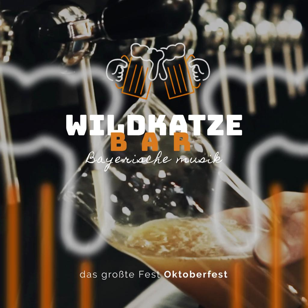 Oktoberfest Offer Pouring Beer in Glass Mug | Square Video Template — Créer un visuel