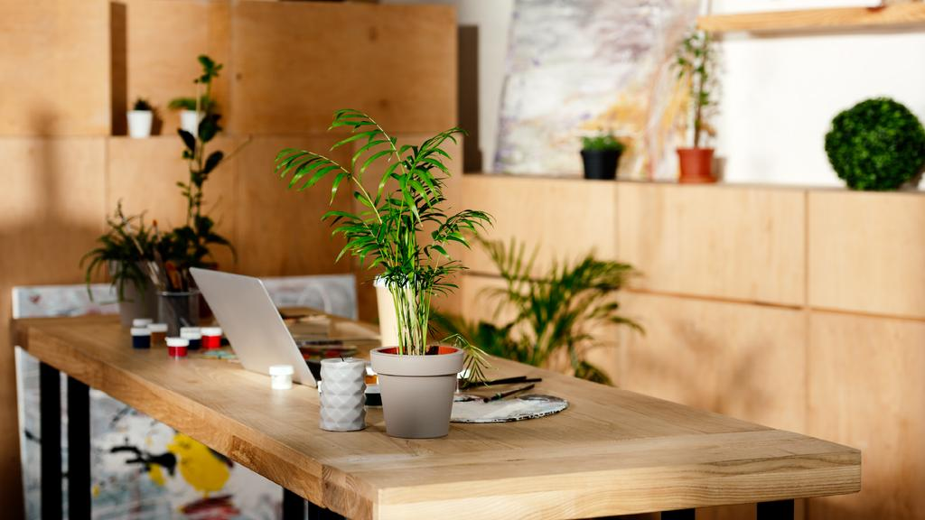 Workplace wooden Interior with candle and Flower — Maak een ontwerp