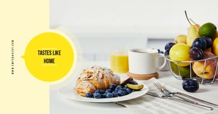 Cafe Promotion Croissant with Blueberries and Almonds Facebook AD Modelo de Design