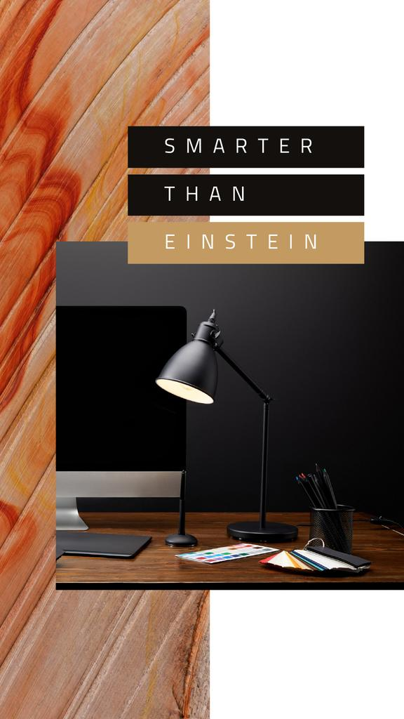 Computer on designer Working Table —デザインを作成する
