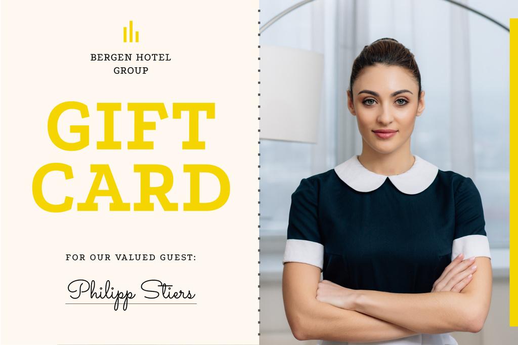 Hotel Card with Confident Professional Maid — Создать дизайн