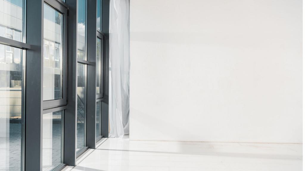 Empty room with white walls — Créer un visuel