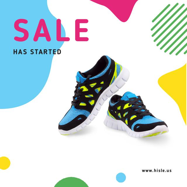 Sale Offer with Pair of athletic shoes Animated Post Modelo de Design