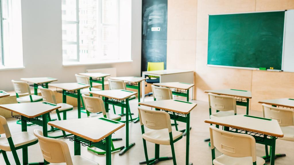 Empty light classrom - Vytvořte návrh