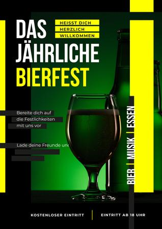 Beer Fest Invitation with Bottle and Glass in Green Posterデザインテンプレート