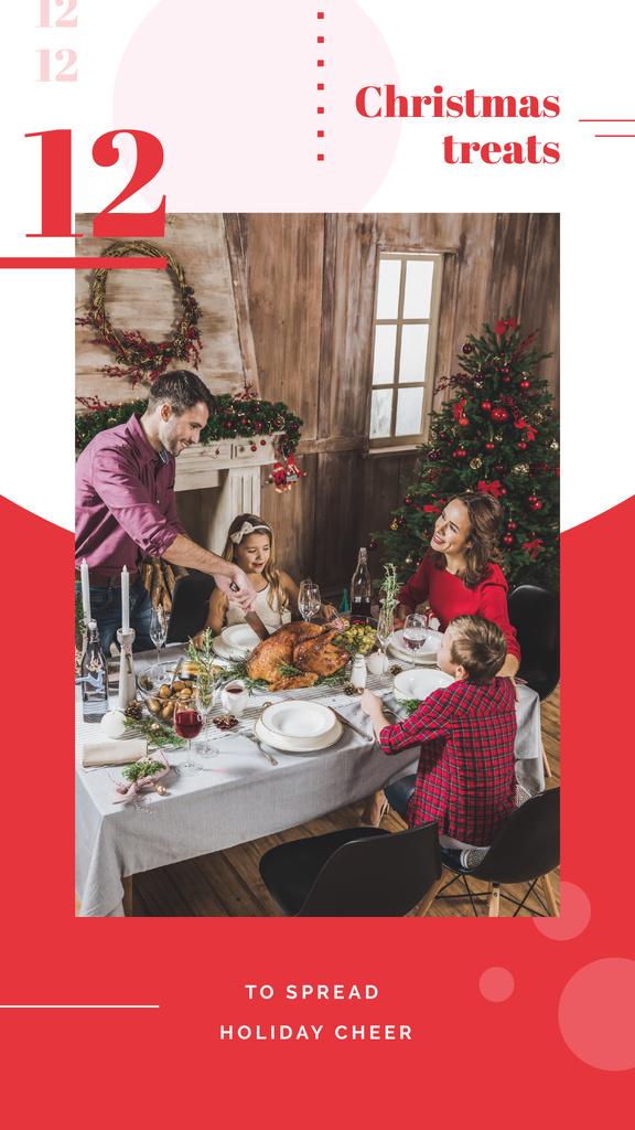 Family having Christmas dinner — Maak een ontwerp