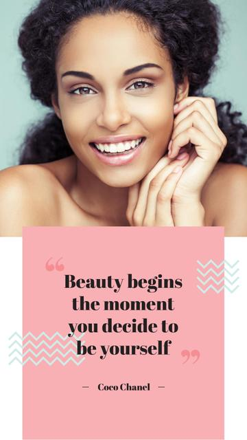 Modèle de visuel Beauty Quote with smiling Woman with glowing Skin - Instagram Story