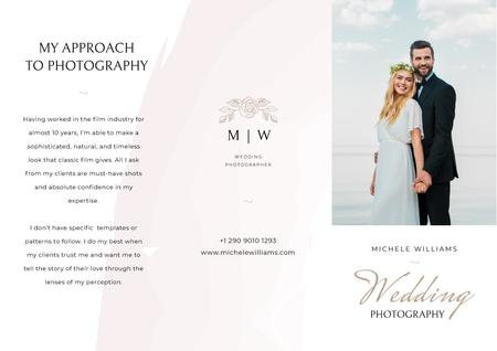 Wedding Photographer services Brochure Modelo de Design