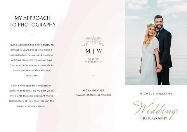 Template di design Wedding Photographer services Brochure