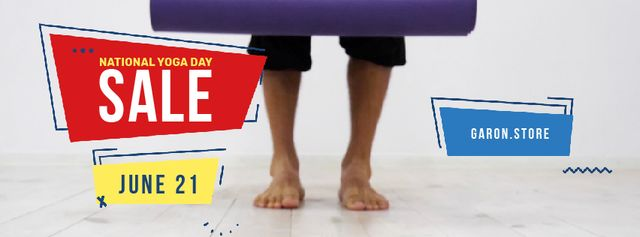 Designvorlage Unrolling Yoga mat in studio für Facebook Video cover
