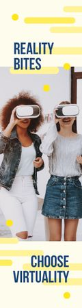 Virtuality Quote Women Using Vr Glasses Skyscraper Modelo de Design