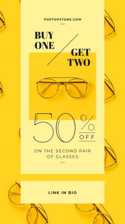 Optics Promotion Glasses in Rows on Yellow Instagram Video Story Modelo de Design