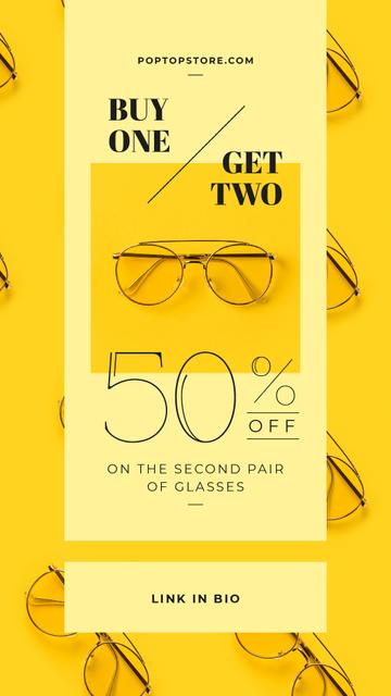 Optics Promotion Glasses in Rows on Yellow Instagram Video Story Modelo de Design