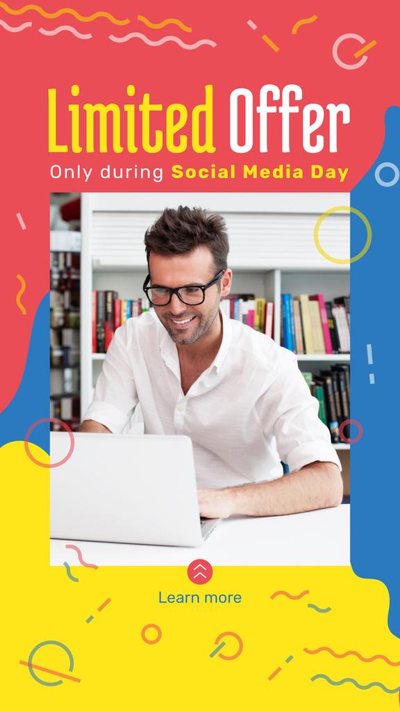Man working on laptop — Maak een ontwerp