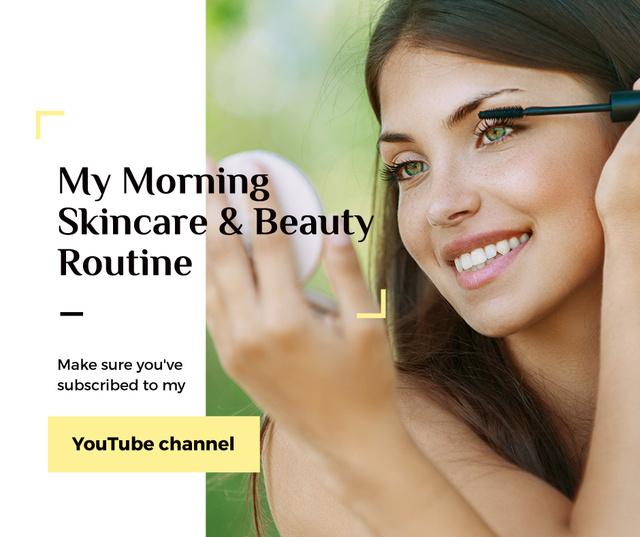 Ontwerpsjabloon van Facebook van Beauty Blog Ad Woman applying Mascara