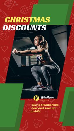 Christmas Offer Woman Squating in Gym Instagram Story Modelo de Design