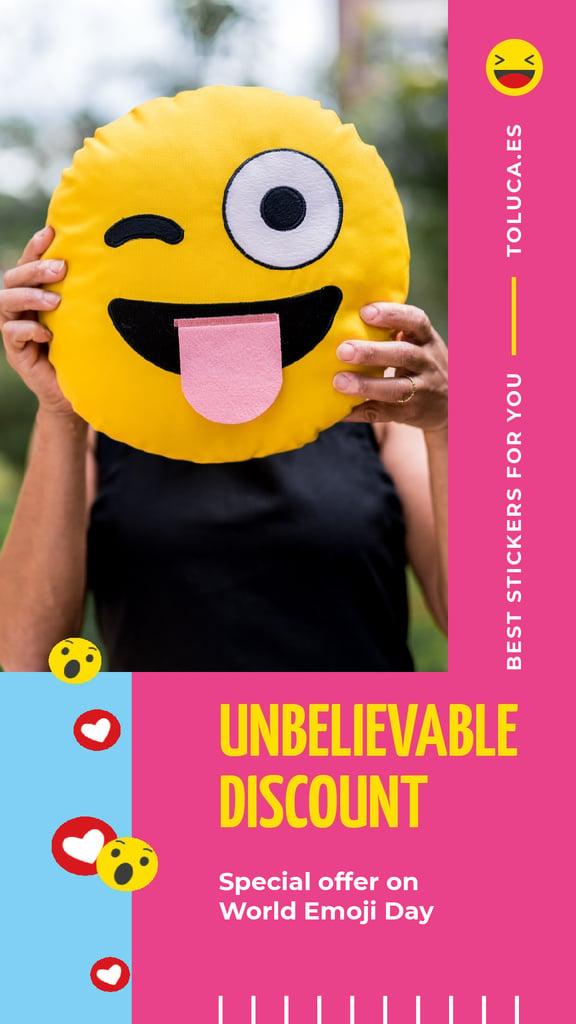World Emoji Day Offer Girl Holding Funny Face | Vertical Video Template — Crea un design