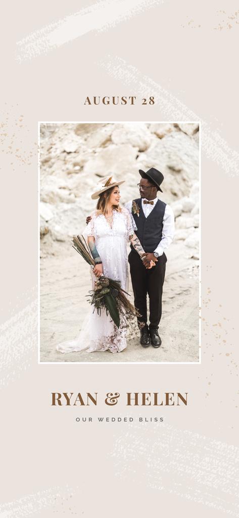 Stylish Wedding couple celebrating — Modelo de projeto