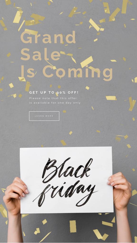 Black Friday Sale Placard in Hands Under Confetti — Modelo de projeto
