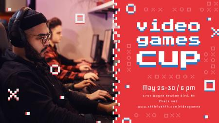 Plantilla de diseño de People Playing Video Game at championship FB event cover