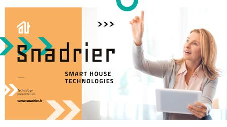 Woman Using Smart Home Application Presentation Wide Modelo de Design