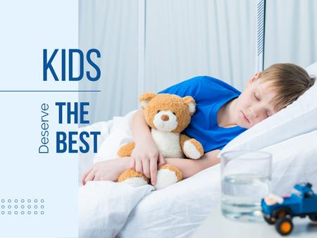 Template di design Child with teddy bear in hospital Presentation