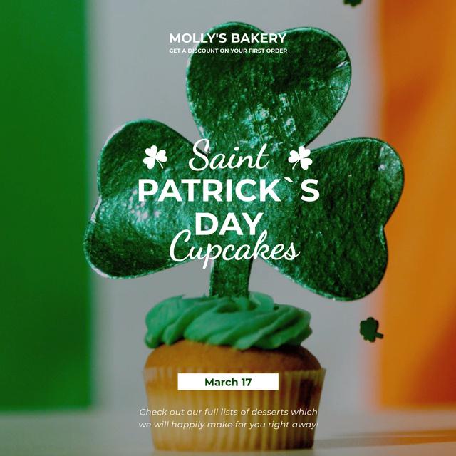 Saint Patrick's Day cupcake with clover Animated Post Modelo de Design