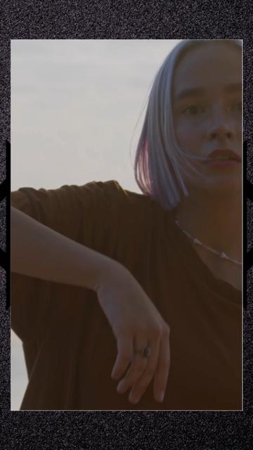 Plantilla de diseño de Stylish Woman dancing TikTok Video