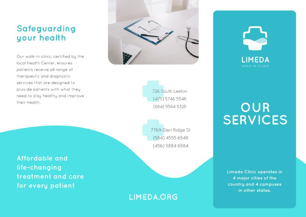 Clinic Services Ad with Doctors Attributes Brochure Modelo de Design