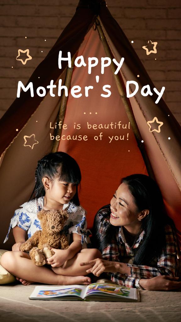 Plantilla de diseño de Happy mother with her daughter on Mother's Day Instagram Story