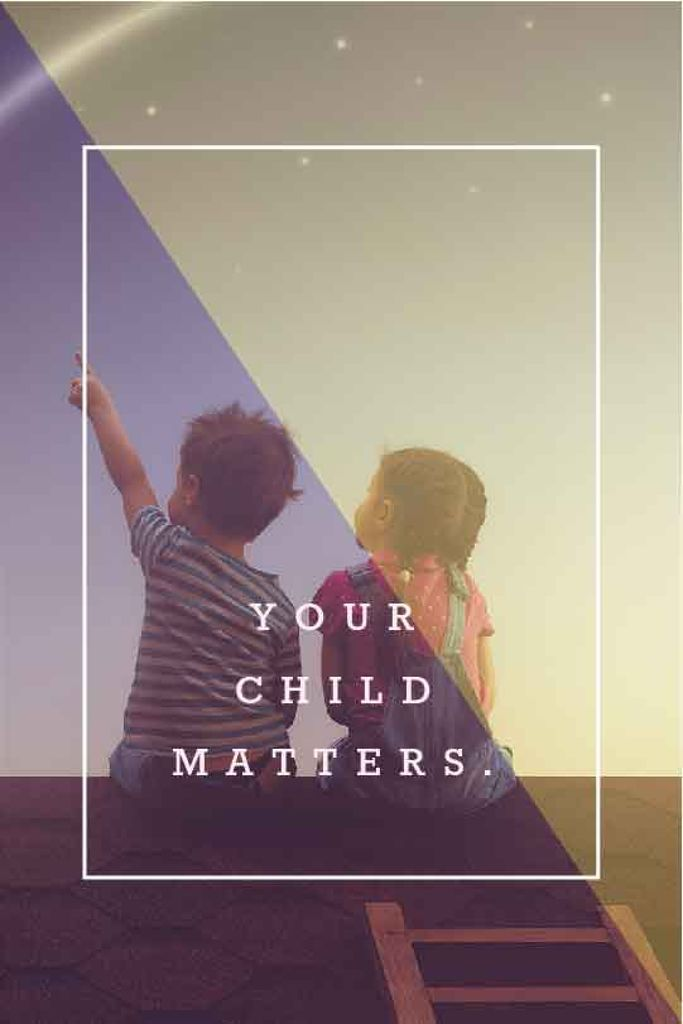 Children sitting on roof — Создать дизайн