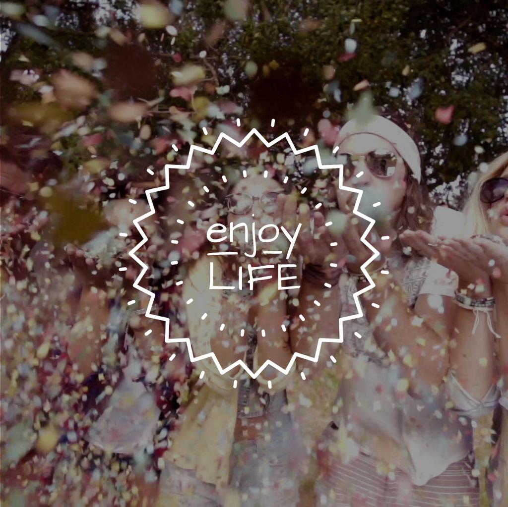 Happy people blowing confetti — Crear un diseño