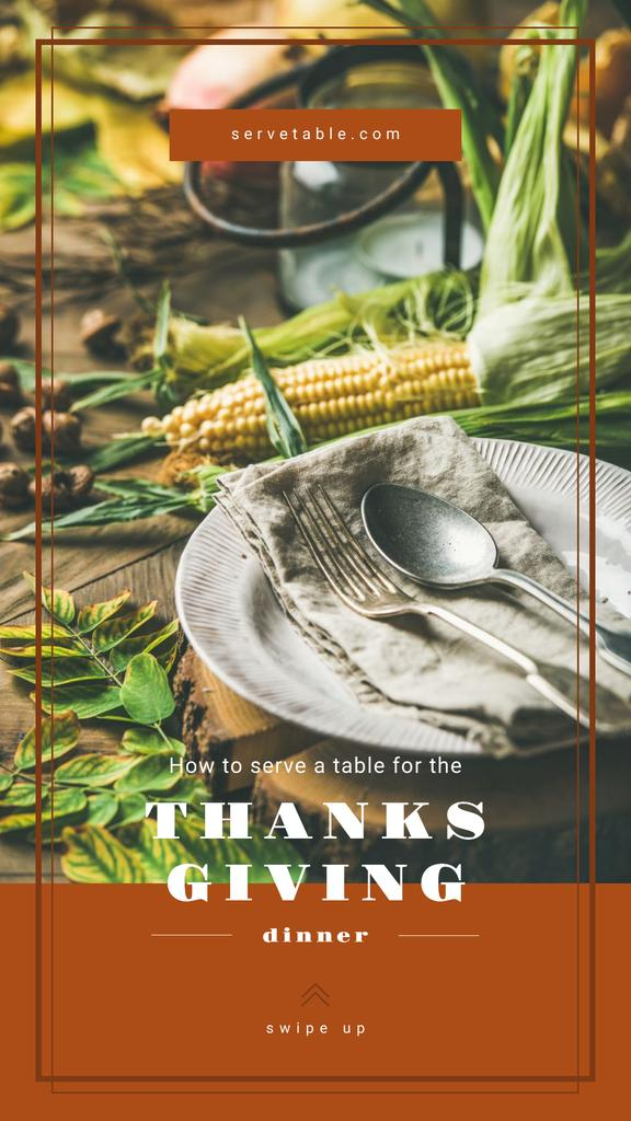 Thanksgiving feast concept with Corn on table — Crear un diseño