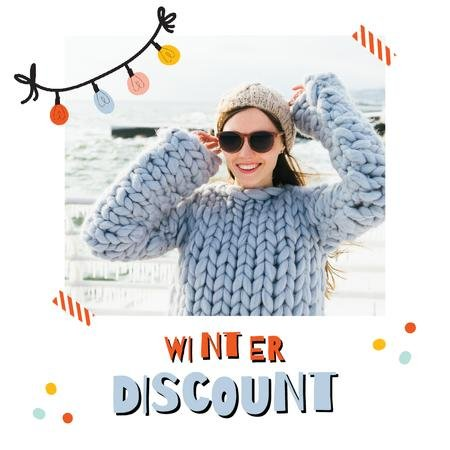 Winter Sale with Girl in Chunky Sweater Animated Post Tasarım Şablonu