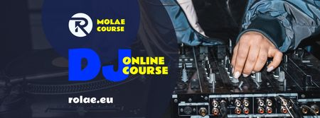 Music School Ad with DJ Playing in Spotlight Facebook cover Modelo de Design