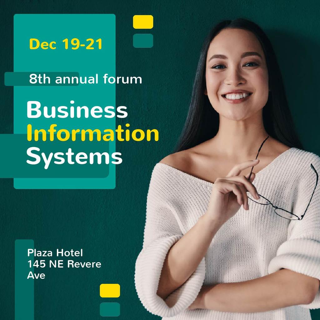 Business Conference Announcement with Smiling Businesswoman — Crear un diseño