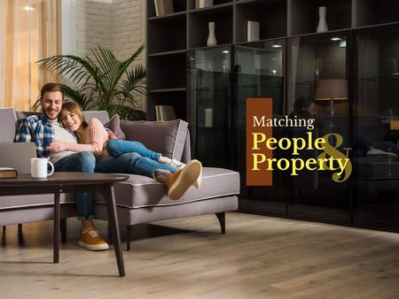 Plantilla de diseño de Happy Couple in Modern Room Presentation
