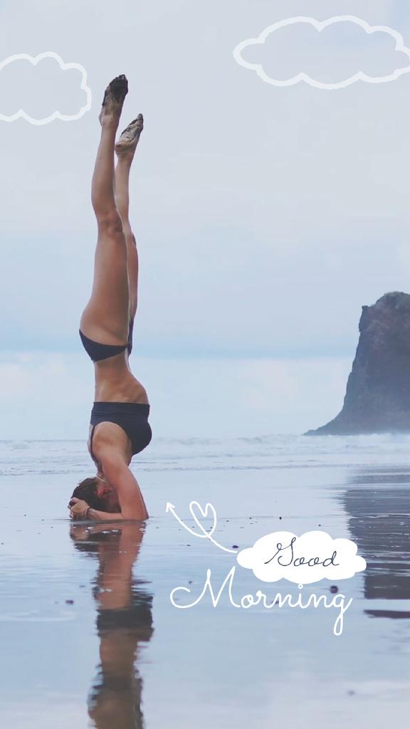 Woman practicing Yoga at the beach — Crear un diseño