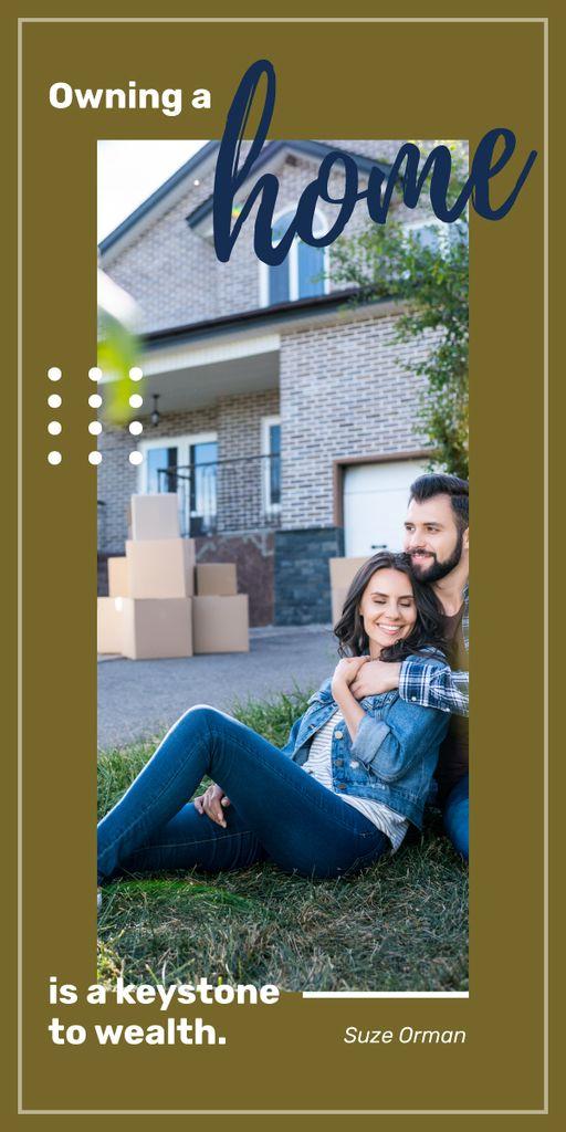 Happy couple by new house — Modelo de projeto