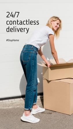 Plantilla de diseño de #StayHome Delivery Services offer Woman with boxes Instagram Story