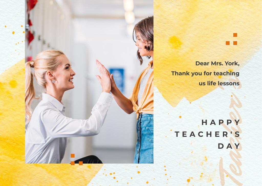 Szablon projektu Teacher giving kid high five on Teacher's Day Postcard