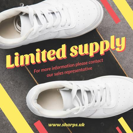 Plantilla de diseño de White sports shoes Instagram