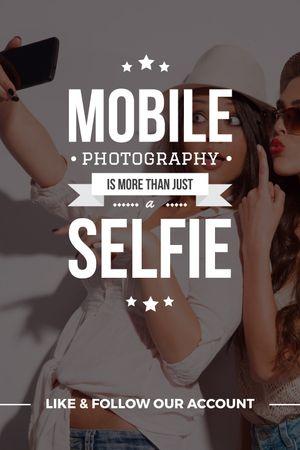 Mobile photography blog with Girls Taking Selfie Tumblr Modelo de Design