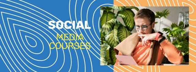 Ontwerpsjabloon van Facebook cover van Education Courses Ad with Man using tablet