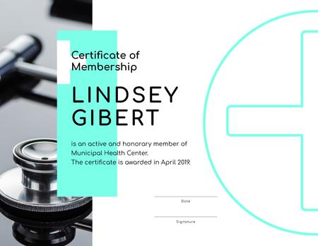 Ontwerpsjabloon van Certificate van Health Center Membership on stethoscope