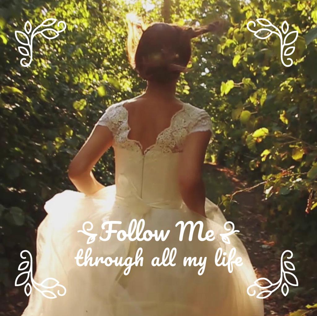 Bride running on green pathway — Crear un diseño