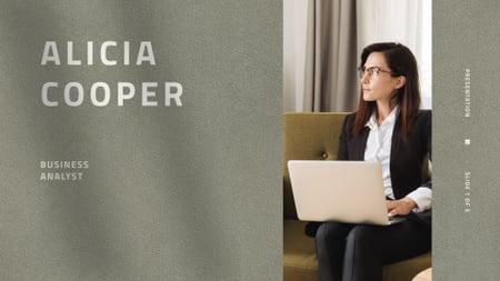 Szablon projektu Confident Woman professional Business Analyst Presentation Wide