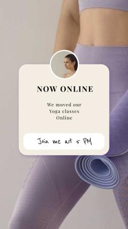 Online Yoga Promotion Woman holing mat Instagram Story Modelo de Design
