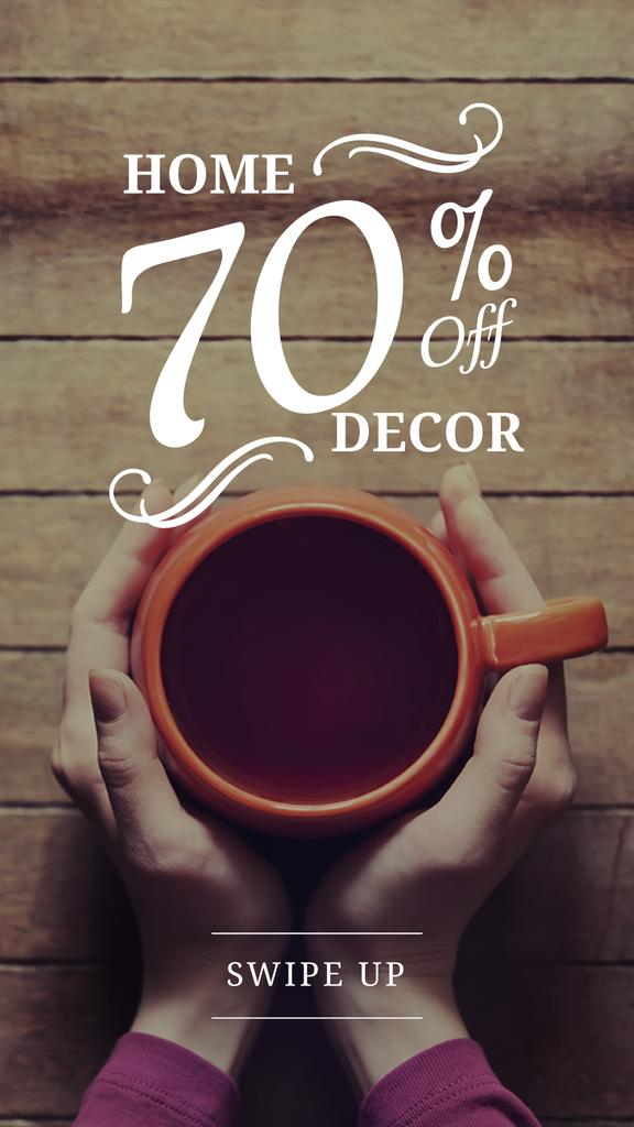 Decor Sale with hands holding Cup — Modelo de projeto